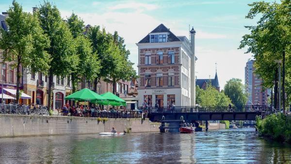 Groningen Hoge der A met gracht
